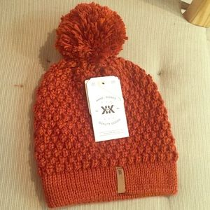 Rust Handmade Beanie Hat with Puff NWT